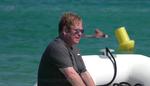 Elton John sta male: cancellati gli show a Las Vegas