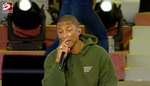 I tre gemellini di Pharrell Williams piangono all'unisono