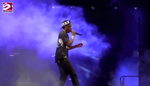 Jay Z canta per Beyonce 'Happy Birthday' dal 'Made In America Festival' domenica sera